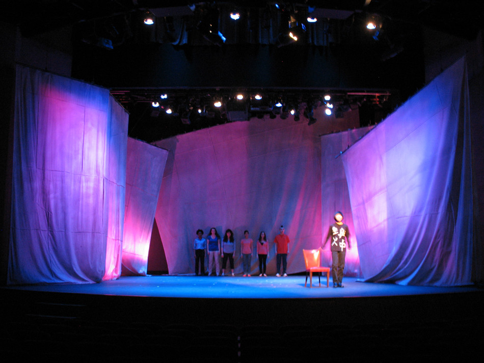 how to design a set for theatre